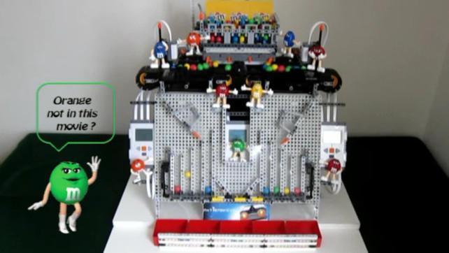 Maszyna z klocków lego posortuje twoje emenemsy (M&M)