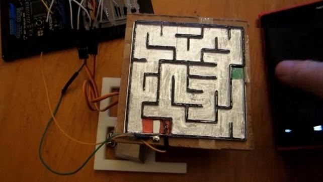 Labirynt kontrolowany smartfonem