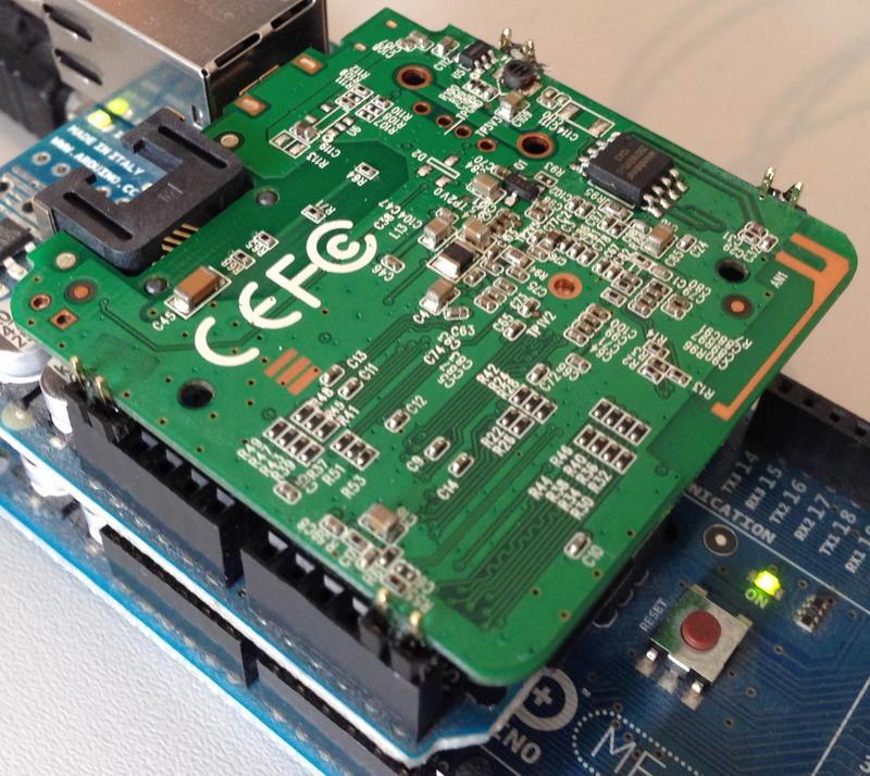 Tani i prosty Arduino WiFi shield