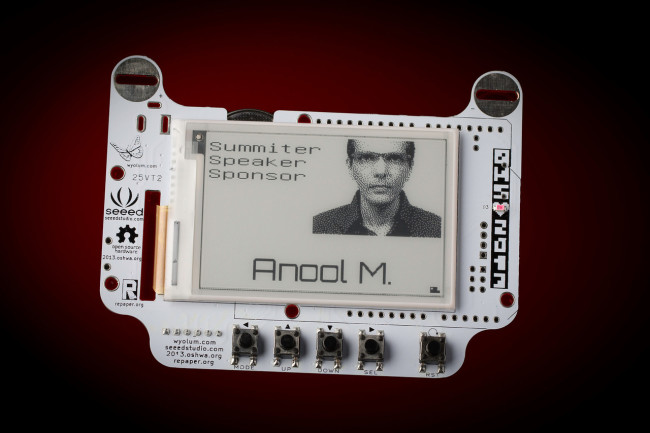 E-papier + Arduino = elektroniczny identyfikator EBADGEr
