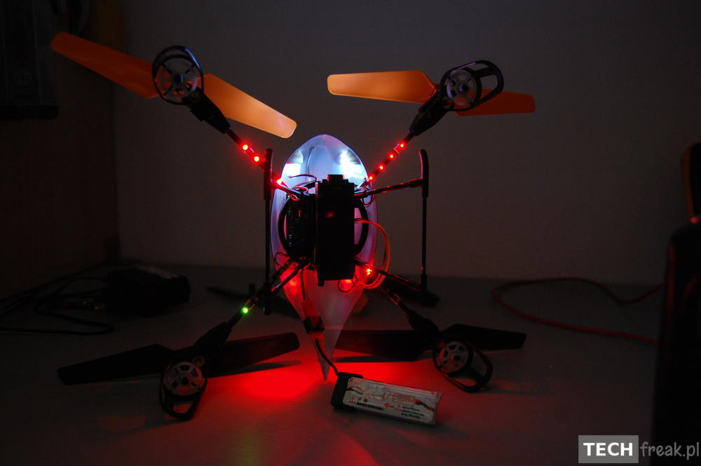 Wltoys_V222_2.4G_6-Axis_RC_Quadcopter_10