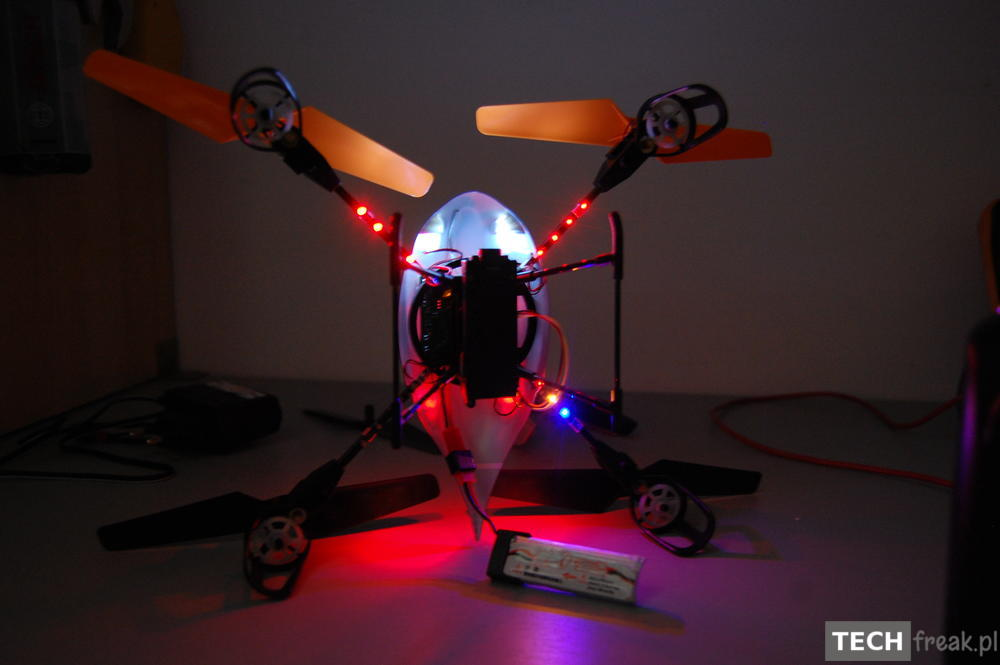 Wltoys_V222_2.4G_6-Axis_RC_Quadcopter_11