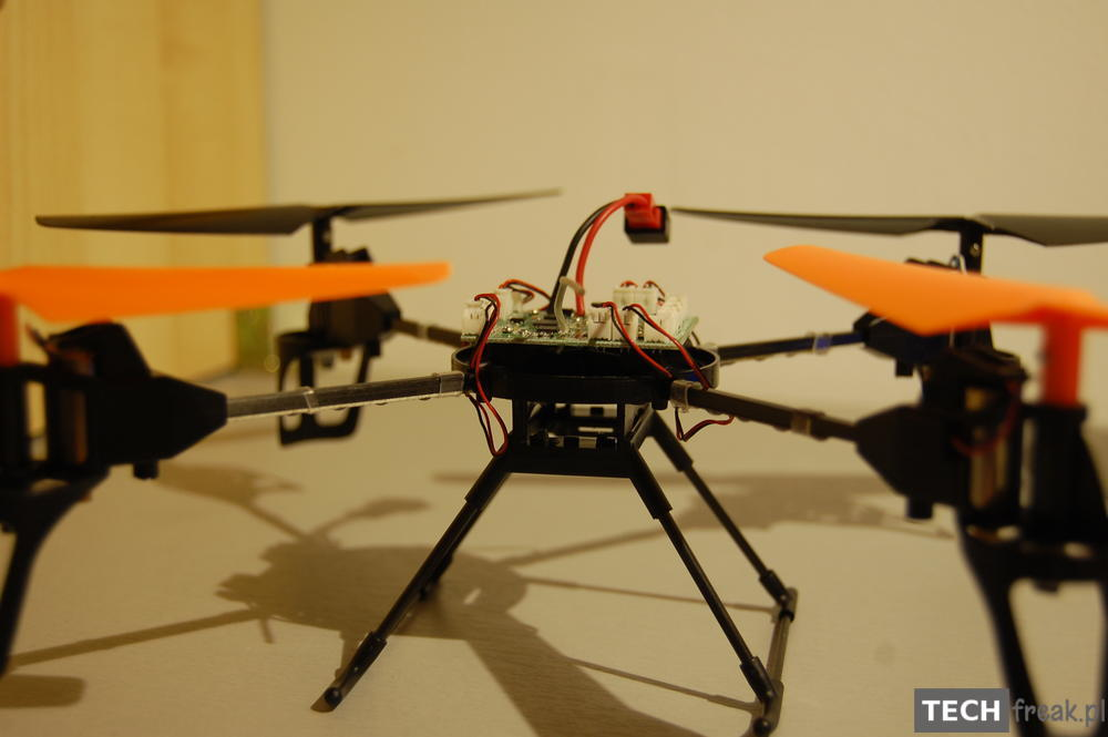 Wltoys_V222_2.4G_6-Axis_RC_Quadcopter_29