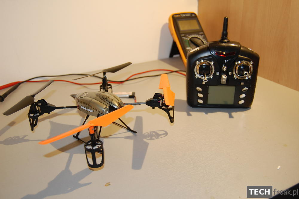 Wltoys_V222_2.4G_6-Axis_RC_Quadcopter_3