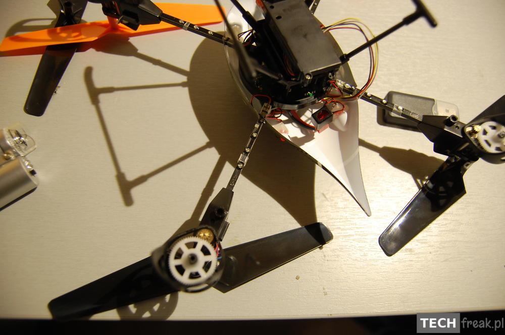 Wltoys_V222_2.4G_6-Axis_RC_Quadcopter_35