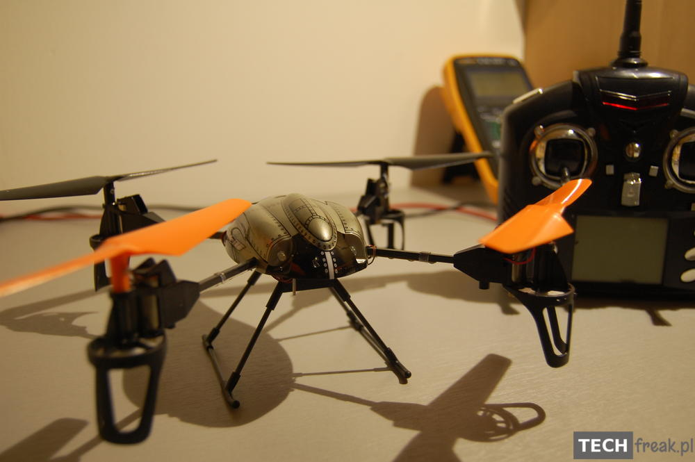 Wltoys_V222_2.4G_6-Axis_RC_Quadcopter_4
