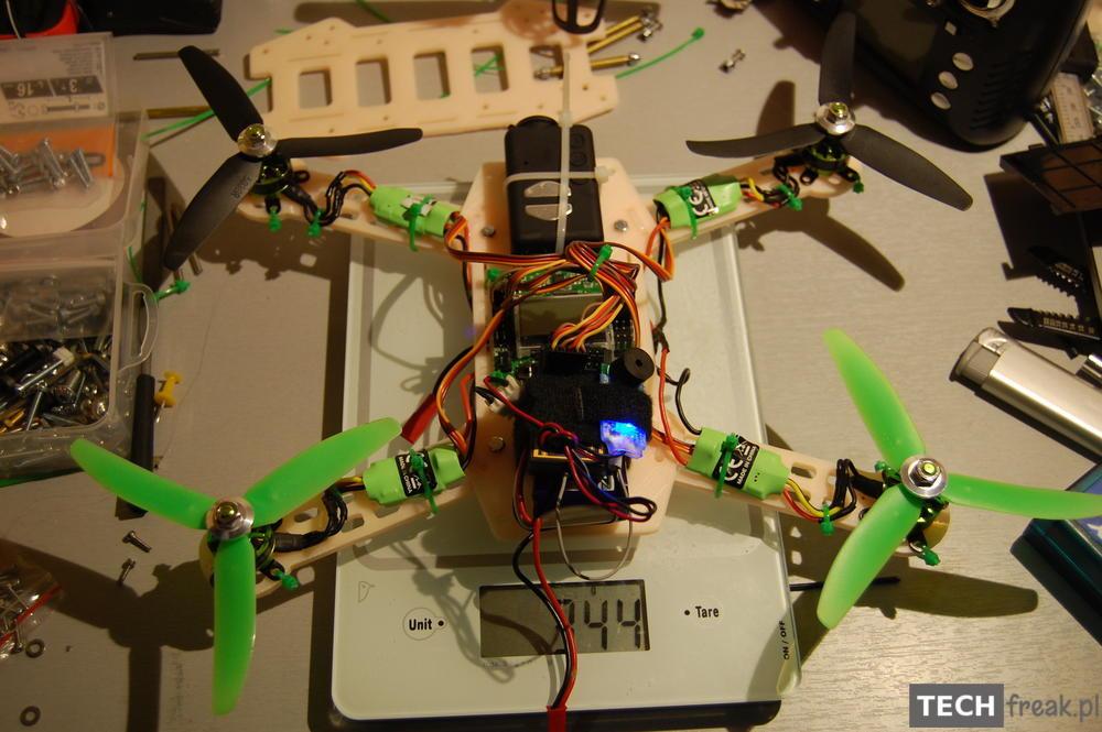 Pierwszy mini H quadcopter