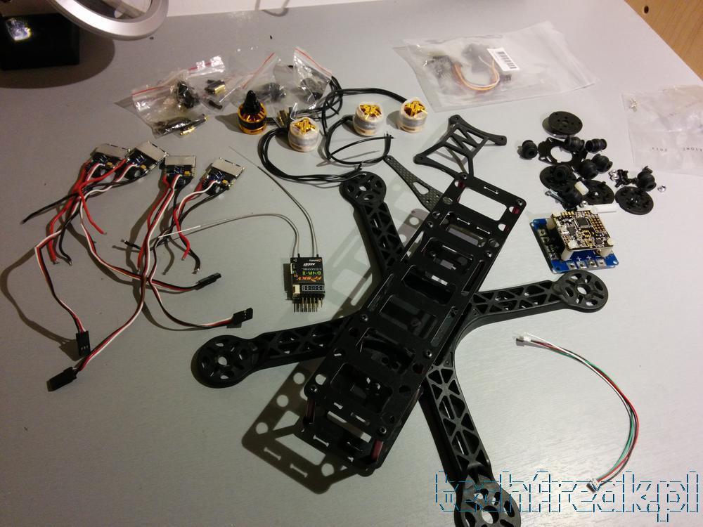Jak zbudować quadcopter? FPV250 + NAZE32 + DYS-BE1806