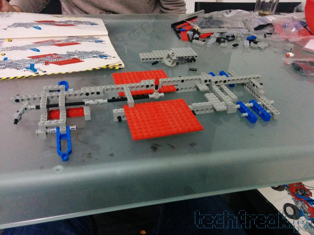 techfreak_lego_technic_test_car_8865_1