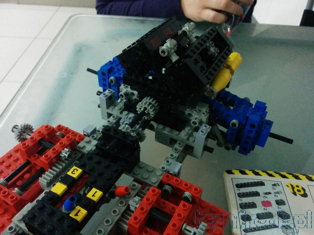techfreak_lego_technic_test_car_8865_11