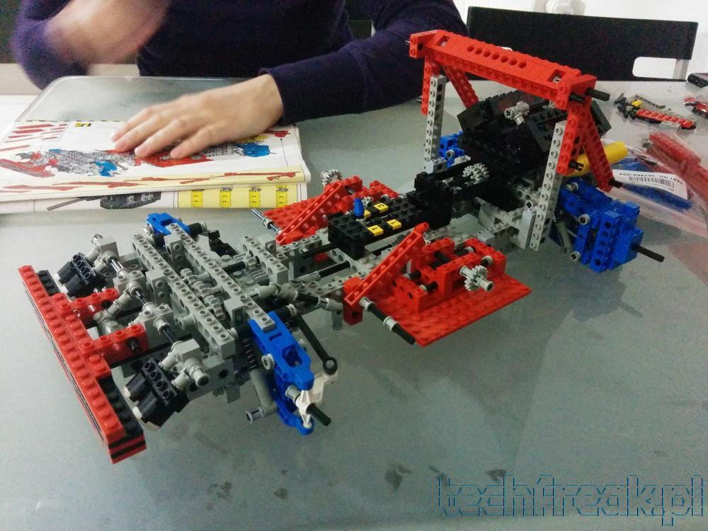 techfreak_lego_technic_test_car_8865_12