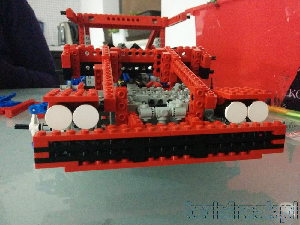 techfreak_lego_technic_test_car_8865_13