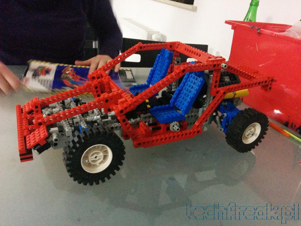 techfreak lego technic test car 8865 14 techfreak blog. Black Bedroom Furniture Sets. Home Design Ideas