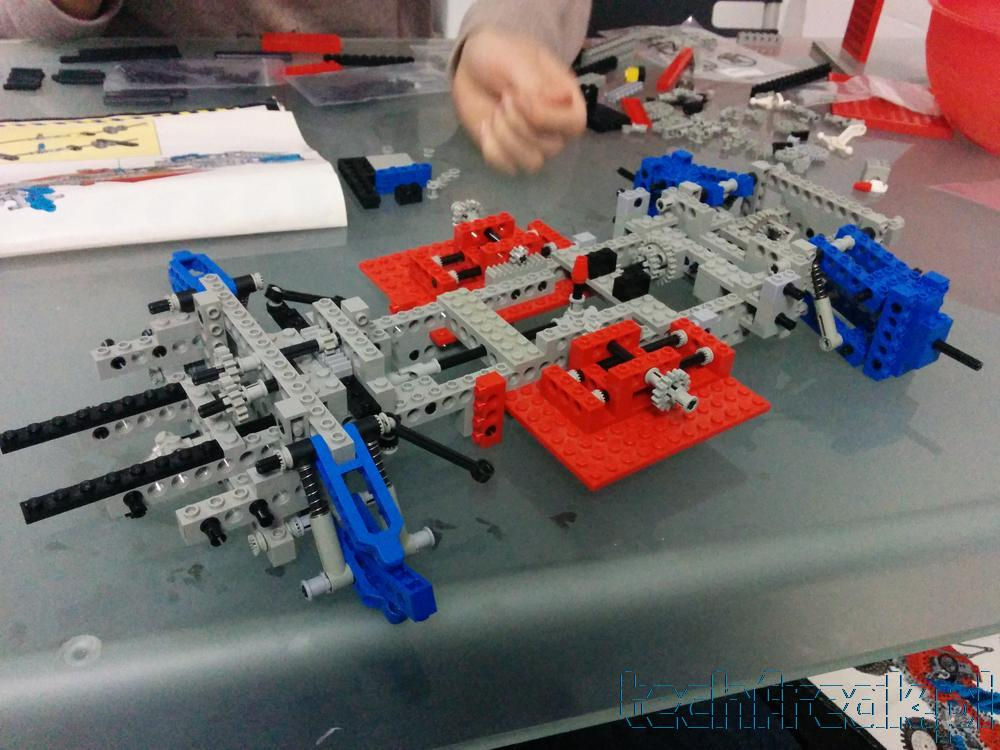 techfreak_lego_technic_test_car_8865_4