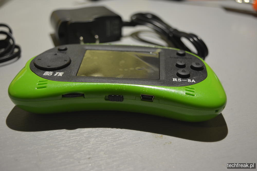 techfreakpl-hand-held-game-console-rs-8-17