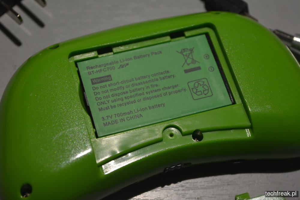 techfreakpl-hand-held-game-console-rs-8-23